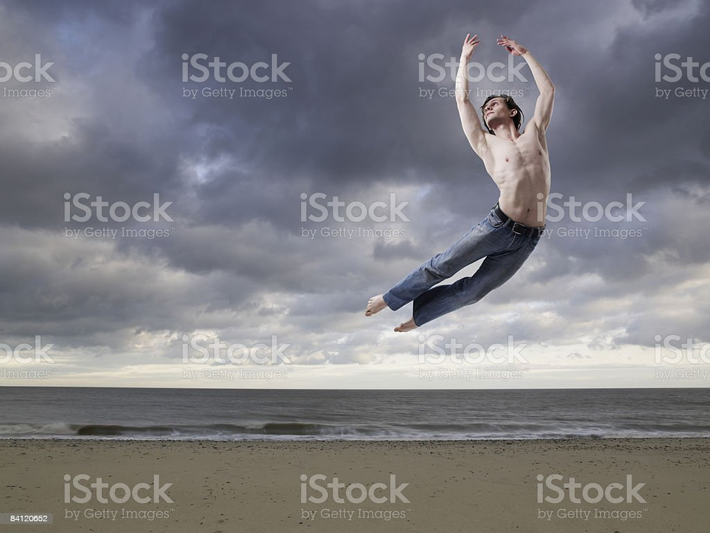 Ballet Dancer on the beach photo libre de droits