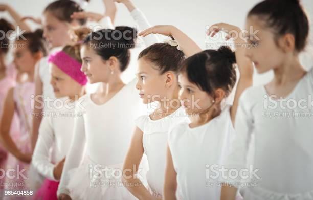 Foto de Prática De Balé e mais fotos de stock de 6-7 Anos