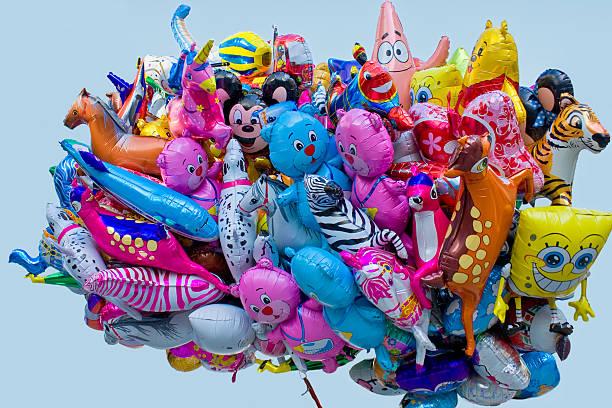 ballonstrauß - disney dekorationen stock-fotos und bilder