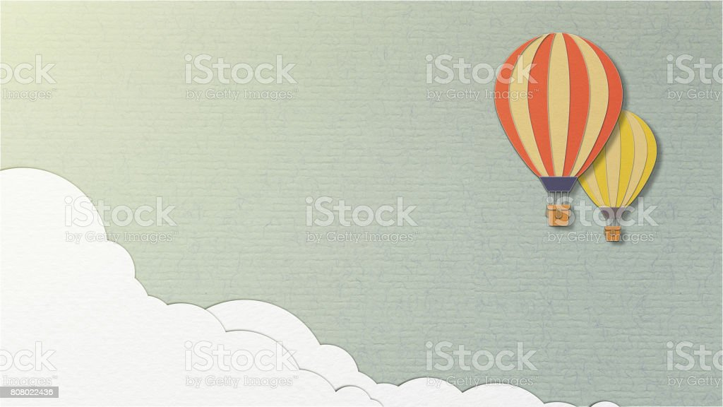 Ballon am Himmelshintergrund oder blauem Hintergrund, Papier geschnittenen Stil – Foto