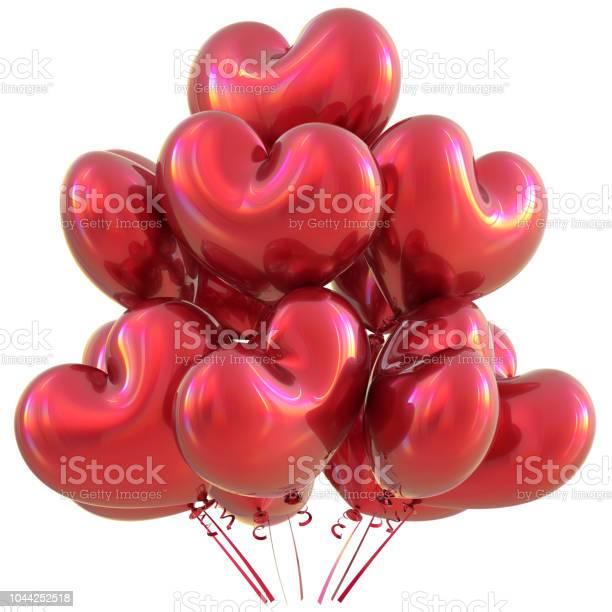 Foto de Amam De Balões Em Forma De Decoração De Festa Feliz Aniversário Vermelha Coração e mais fotos de stock de Amor