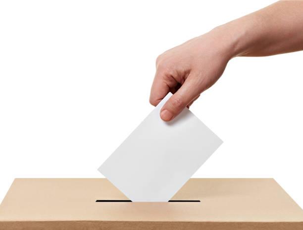 ballot box casting stem verkiezing - voting hands stockfoto's en -beelden