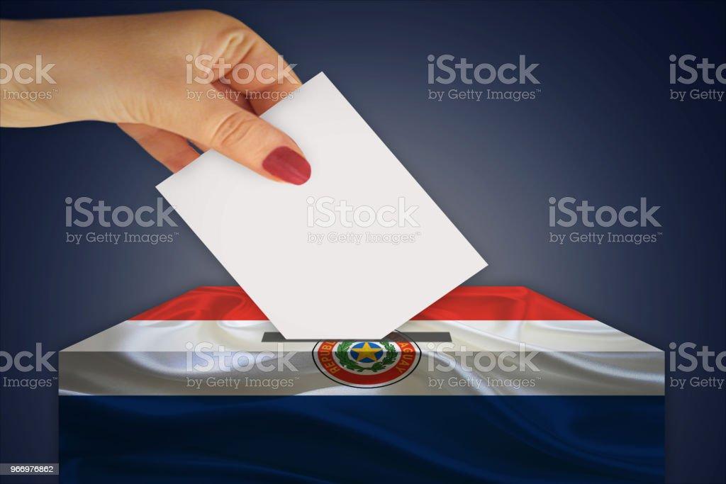 Urna - elección - PARAGUAY - foto de stock