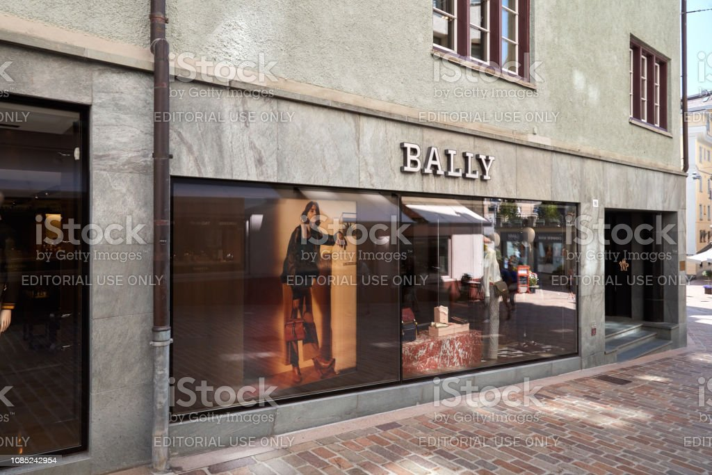 fecha límite puesto Fortaleza  Bally Luxury Store In A Sunny Summer Day In Sankt Moritz Switzerland Stock  Photo - Download Image Now - iStock