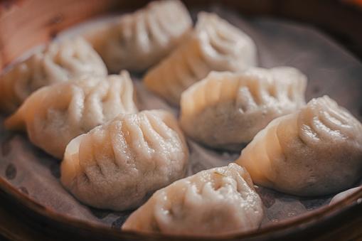 Steamed dumplings using bamboo steamer