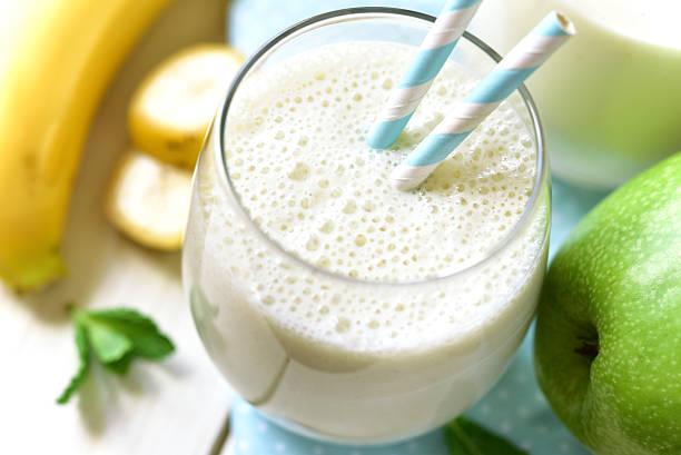 Banane Apfel-smoothie. – Foto