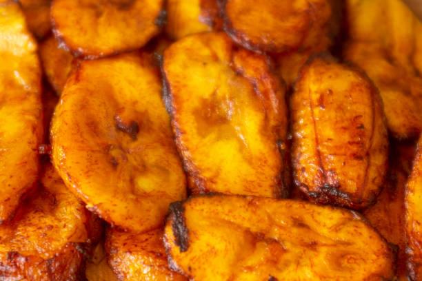 Comida de banana fritado - foto de acervo