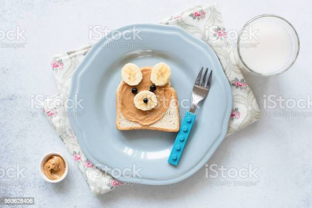 Banana peanut butter toast on a blue plate meal for kids picture id953628406?b=1&k=6&m=953628406&s=612x612&h=ysbi9cwownmqrmchv7wbuduyyqf2s kv9qiqzzl7flo=