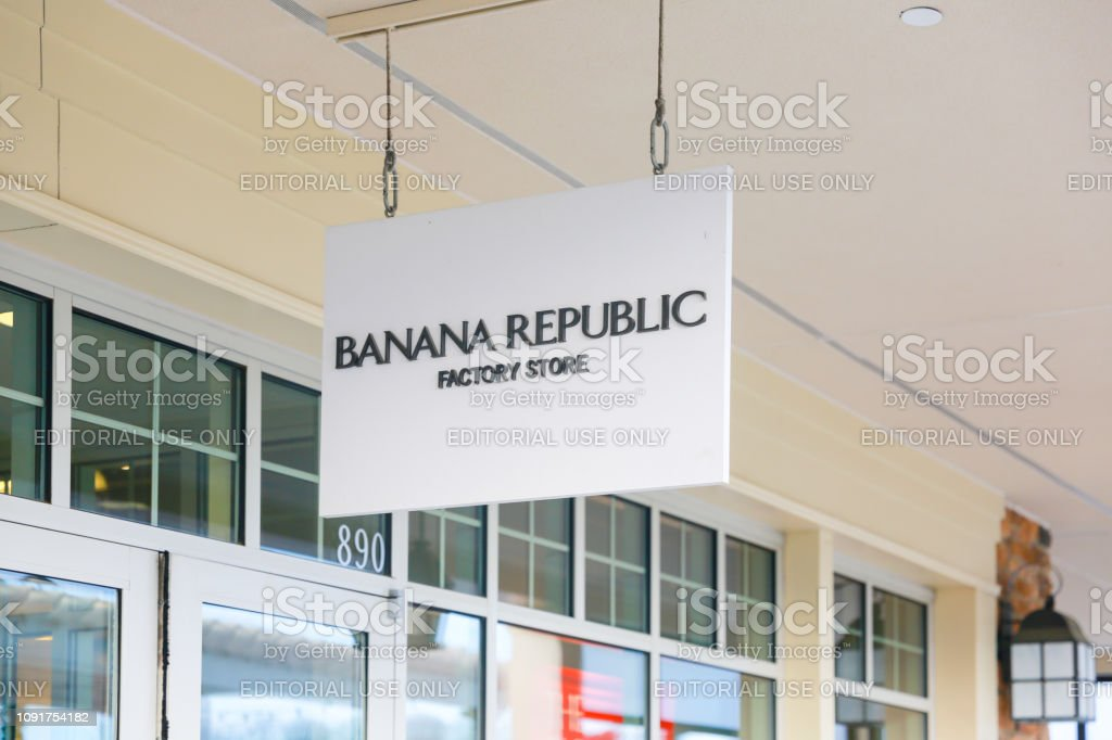 Banana Republic storefront in New Jersey stock photo