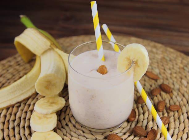 банановый смузи stock photo