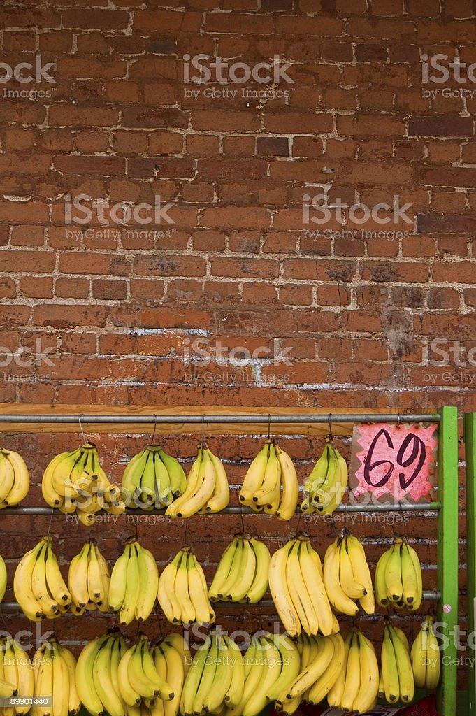 Plátano y de ladrillos foto de stock libre de derechos