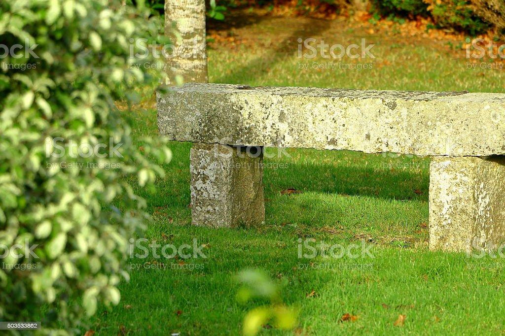 Banc En Pierre De Granit Dans Un Jardin Stock Photo More Pictures