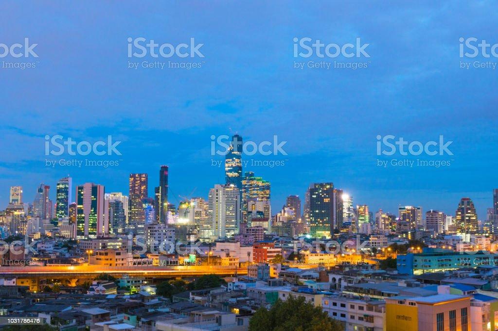 Die Stadt Bangkok und Wolkenkratzer – Foto