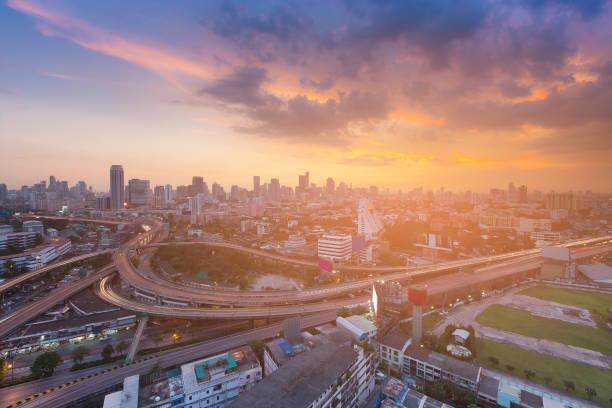日落時分曼谷城市商業區地平線圖像檔