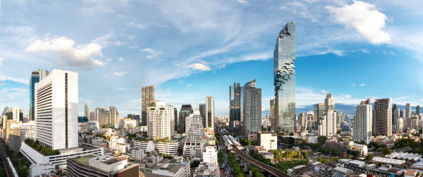 Bangkok Cityscape Business District Panorama View with Height Building in Afternoon - fotografia de stock