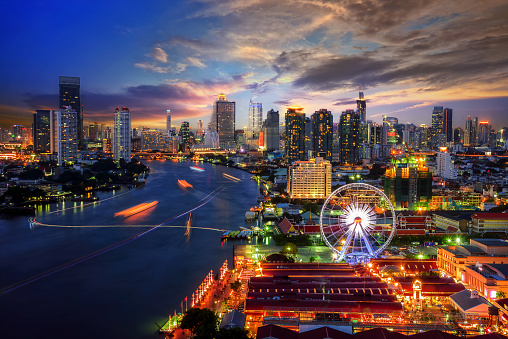 istock Bangkok cityscape 483816132