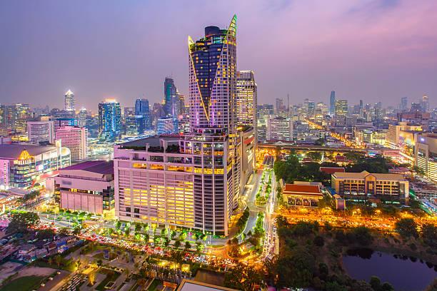 bangkok shopping mall. - karavanserai stockfoto's en -beelden