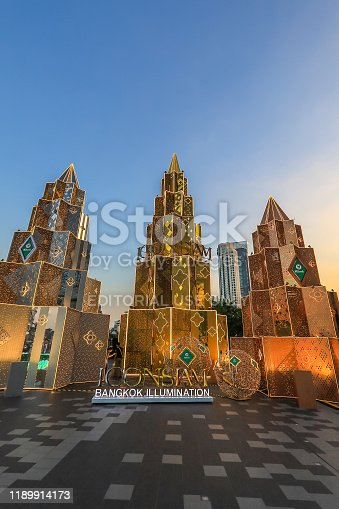 istock Bangkok,Thailand on November 23,2019:Large Christmas trees to celebrate Christmas and New Year Festival at River Park of ICONSIAM,the new shopping complex on the riverbank of Chao Phraya River. 1189914173
