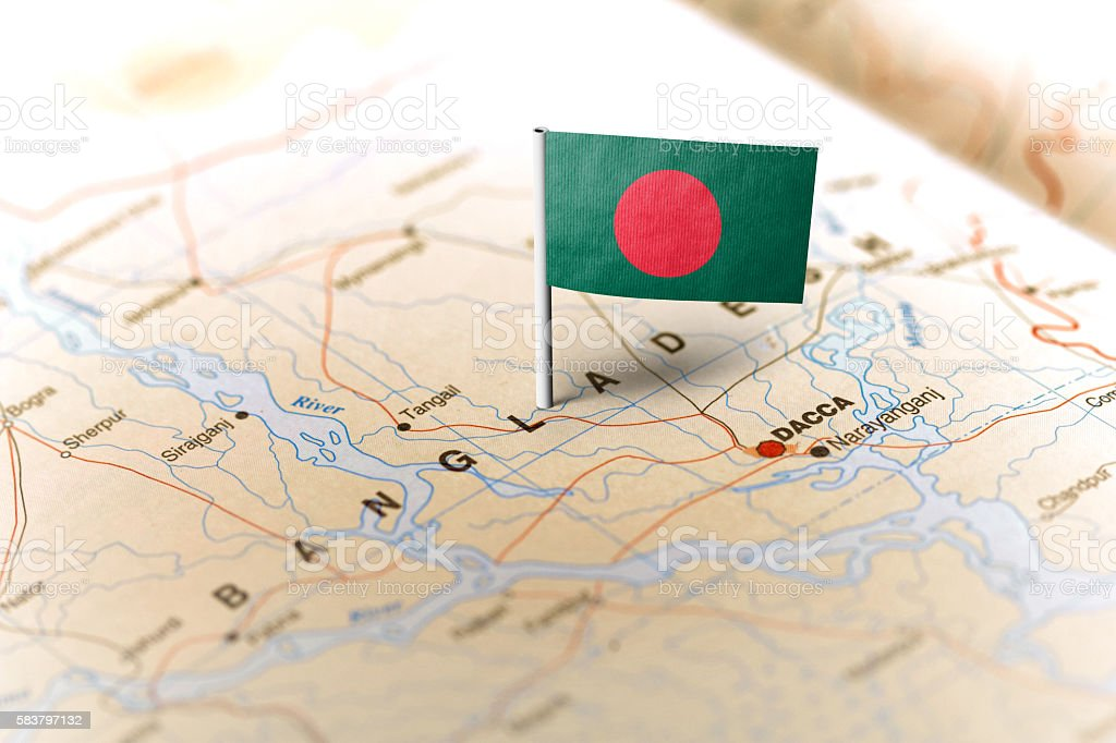 Bangladesh pinned on the map with flag - foto de stock