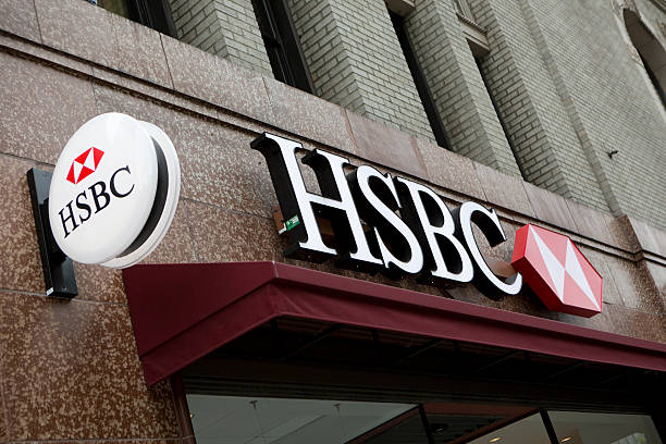 """HSBC Bank Branch in downtown Seattle """"Seattle, Washington, USA - May 27, 2012:  The HSBC Bank Branch in downtown Seattle is one outlet of many located throughout the US, UK, France, Mexico, Brazil and Hong Kong."""" hsbc stock pictures, royalty-free photos & images"""