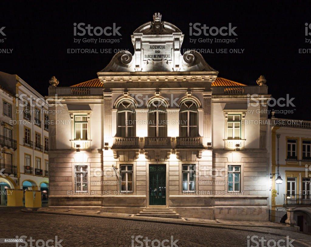 Banco em Évora - foto de acervo