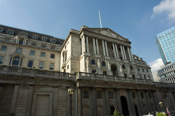 Bank of England The Bank of England in the City of London on Threadneedle Street monetary policy stock pictures, royalty-free photos & images
