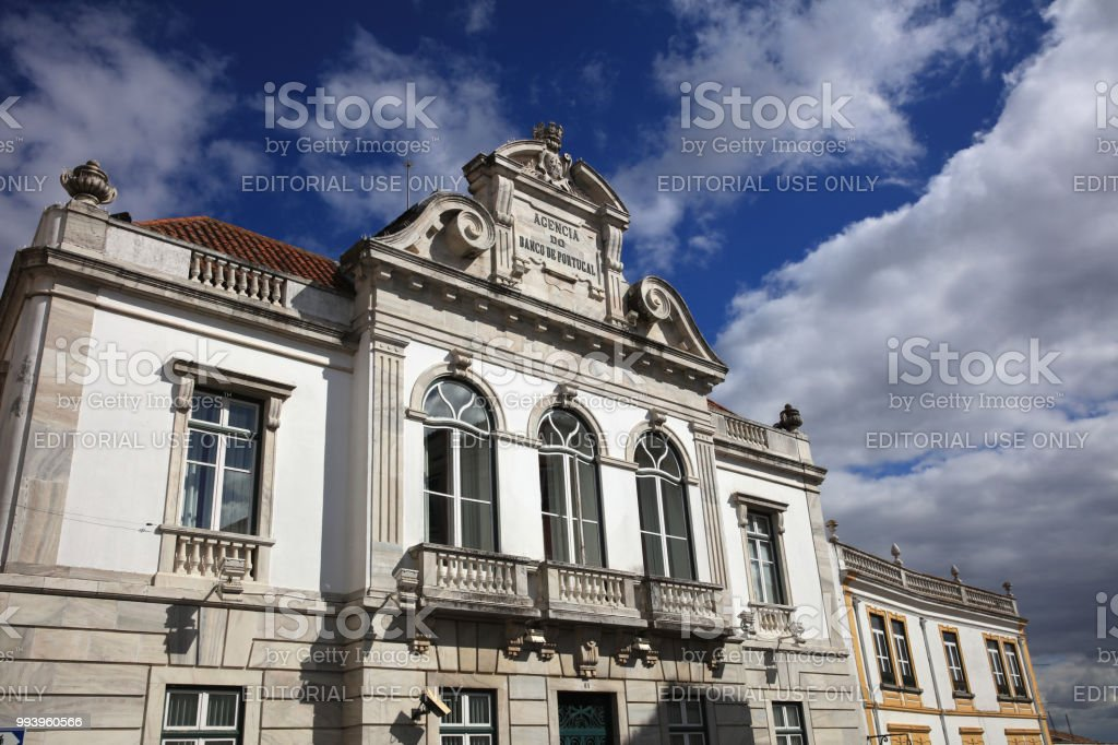 Bank von Portugal (Agencia Do Banco de Portugal) in Evora. Alentejo. Portugal – Foto