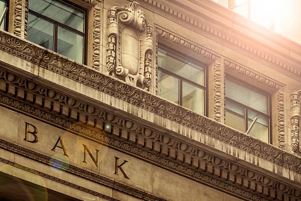 bank  - banca foto e immagini stock