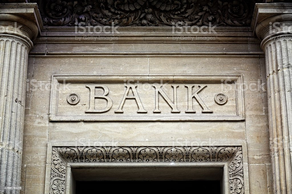 Signo del edificio del banco - foto de stock