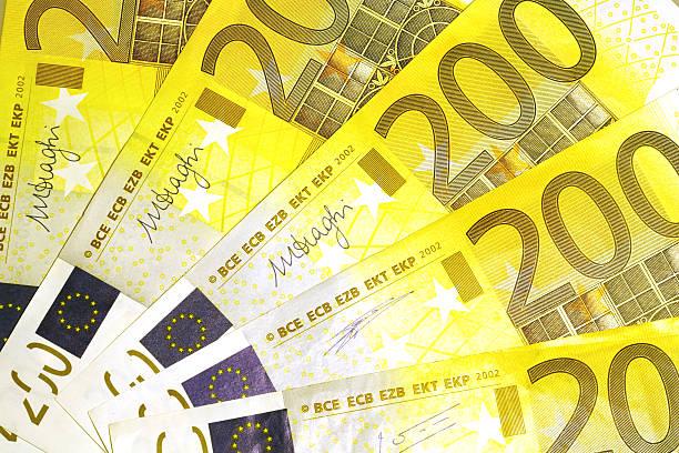 Billetes de 200 euros - foto de stock