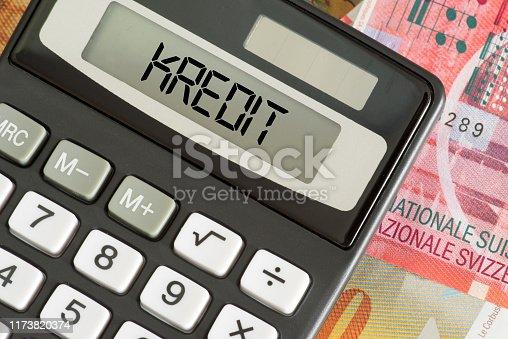 Banknoten Schweizer Franken, Kredit und Taschenrechner