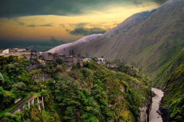 바 노스 데 아구 아 산타, tungurahua 지방, 에콰도르 - 에콰도르 뉴스 사진 이미지