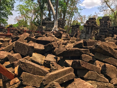 Banteay Chhmar was built during the reign of Jayavarman VII in the late 12th or early 13th century.