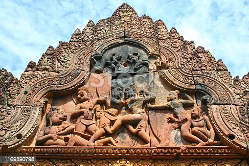 Combat between Vli and Sugrva depicted on the western gopura of Banteay Srei or Banteay Srey (Khmer: ប្រាសាទបន្ទាយស្រី), a 10th-century Cambodian temple dedicated to the Hindu god Shiva located in Siem Reap, Cambodia.
