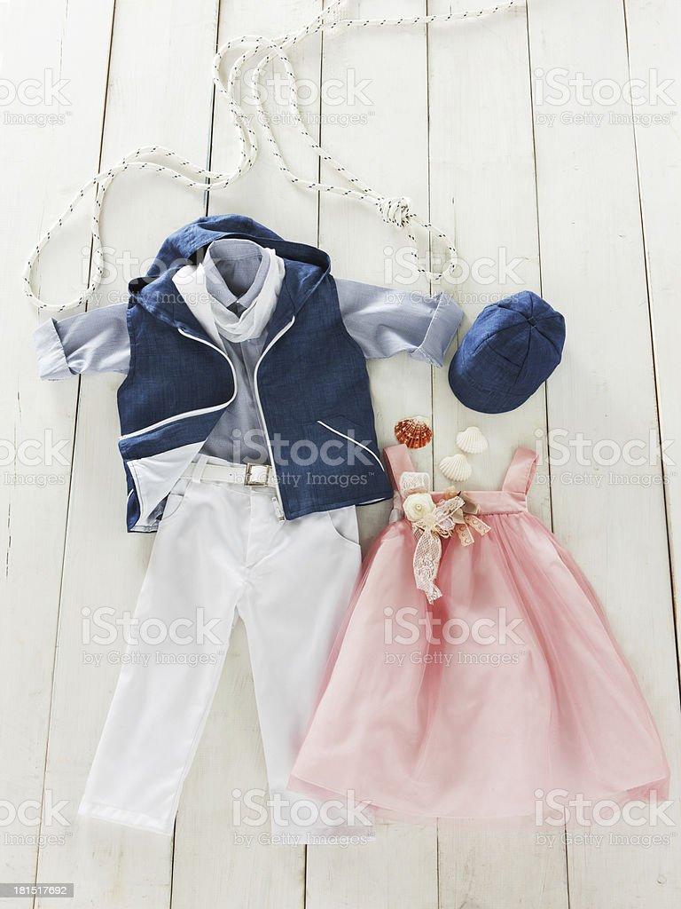 Taufe Kleidung Für Mädchen Und Jungen Auf Holz Hintergrund