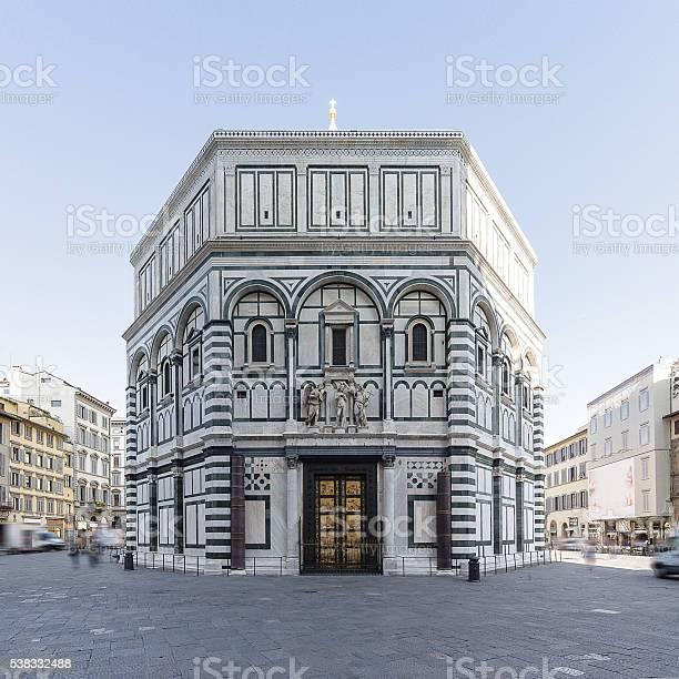 Baptistery of san giovanni florence picture id538332488?b=1&k=6&m=538332488&s=612x612&h=inhmlf prksgtjy9b10lpbulqfetnkl uij7cp4xqvo=