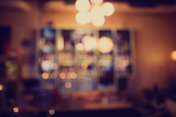 bar counter - bar i̇çkili mekan stok fotoğraflar ve resimler