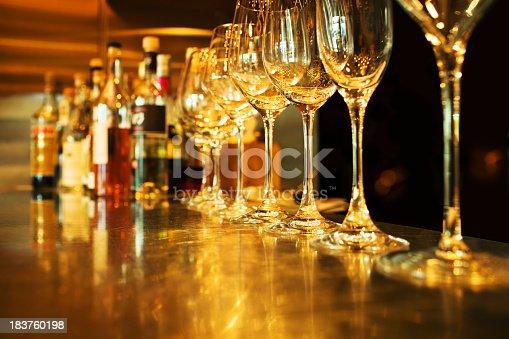istock Bar 183760198