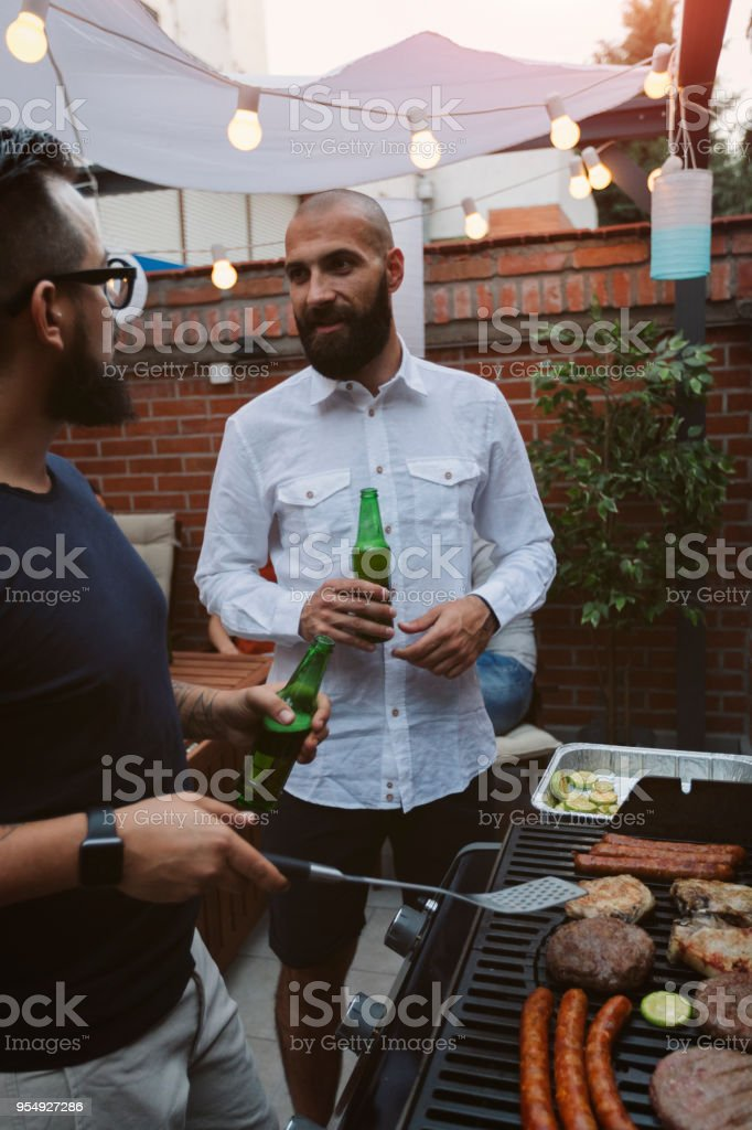 Barbecue dans la Cour - Photo