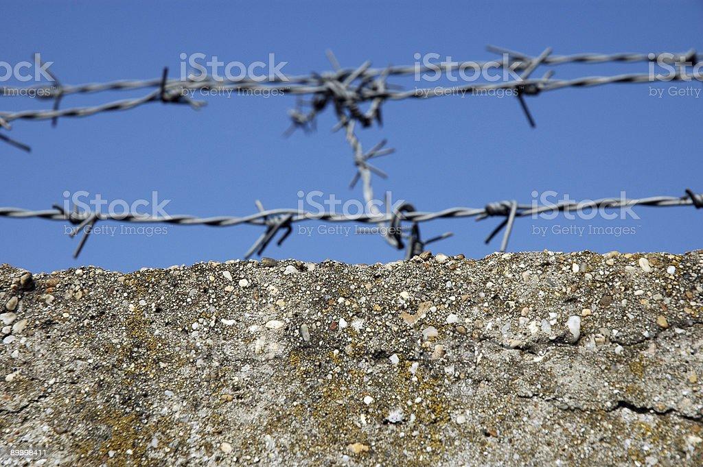 Колючая проволока Забор Стоковые фото Стоковая фотография