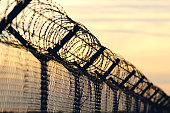 ヨーロッパの移住に対して鋼有刺鉄線壁