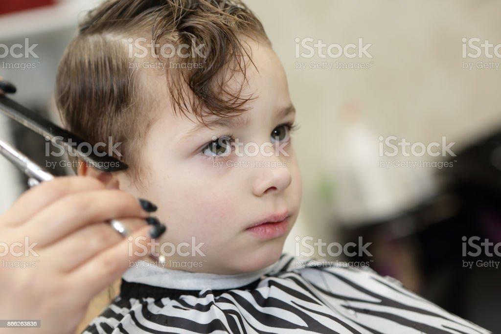 Friseur Haare Schneiden Jungen Stockfoto Und Mehr Bilder Von