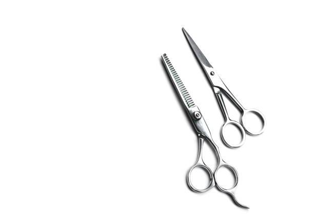 Friseur Schere isoliert. Haare schneiden auf weißem Hintergrund. Friseur Salon Konzept. Haarschnitt-Zubehör. – Foto