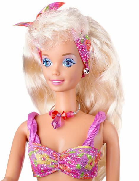barbie puppe auf weiß - barbiekleidung stock-fotos und bilder
