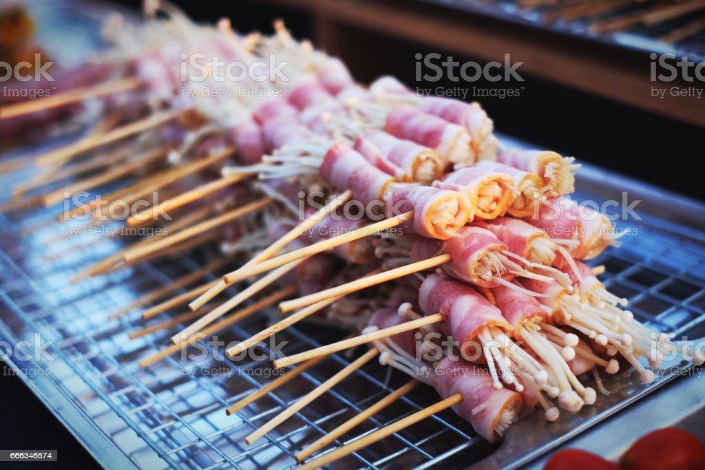 Bar-B-Q, parrilla Grill calle comida en Tailandia - foto de stock