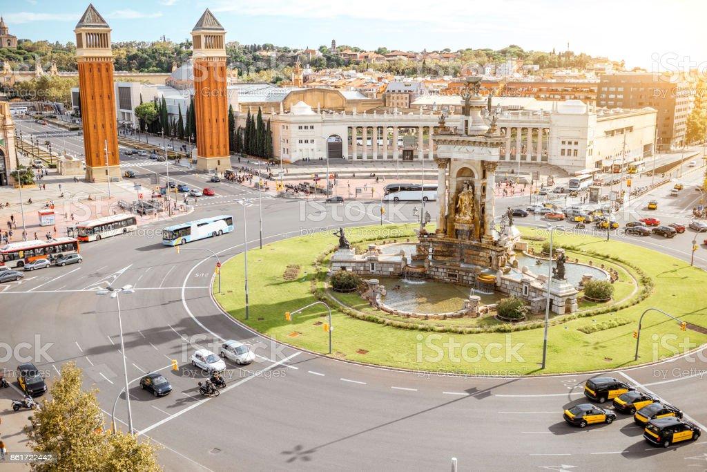 Vista a la ciudad de Barcelona - foto de stock