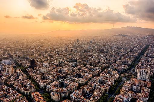 Barcelona Cityscape Eixample, Gran Via