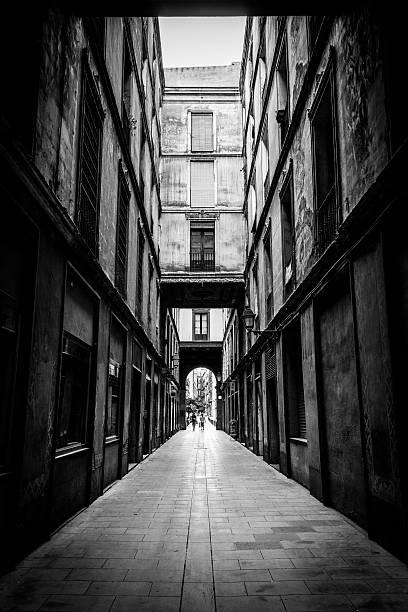 Barcellona-Dark strada nella città vecchia - foto stock
