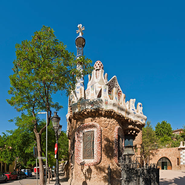 Barcelona iconic Gaudí ornate architecture gatehouse Parc Güell Catalonia Spain  gracia baur stock pictures, royalty-free photos & images
