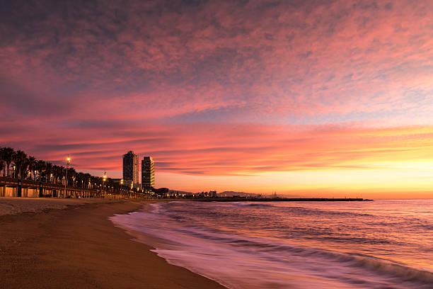 Playa de la Barceloneta en Barcelona - foto de stock